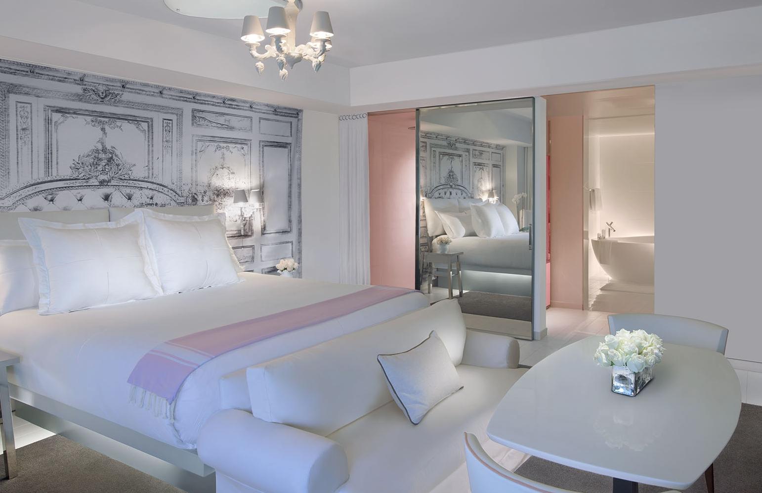 SLS Miami, P.Starck   Hotel Rooms   Luxury bedroom furniture ...