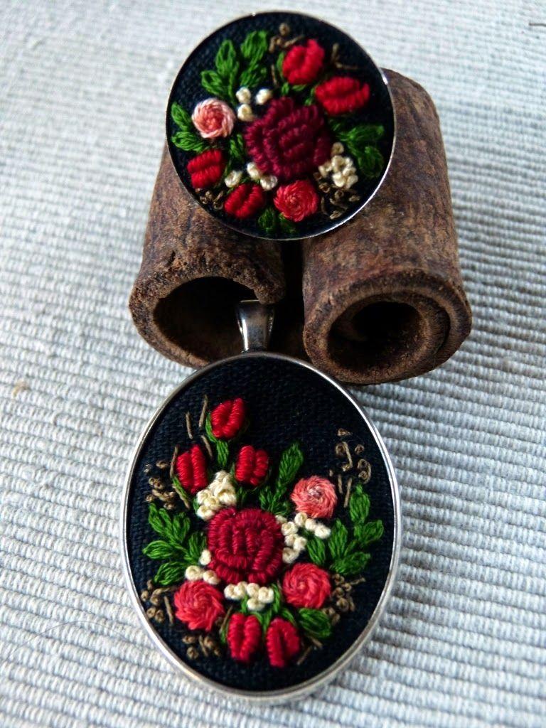 haftowane róże, haftowany naszyjnik, naszyjnik z haftem, embroidered jewerly, naszyjnik vintage, medalion z haftem, handmade jewerly, embroidered necklace, vintage jewerly, biżuteria retro,