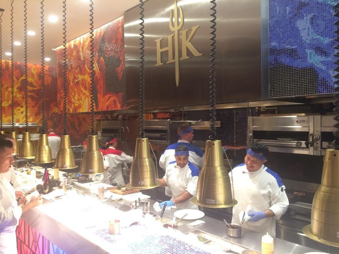 Pin On Gordon Ramsay Hell S Kitchen Restaurant At Caesars Palace