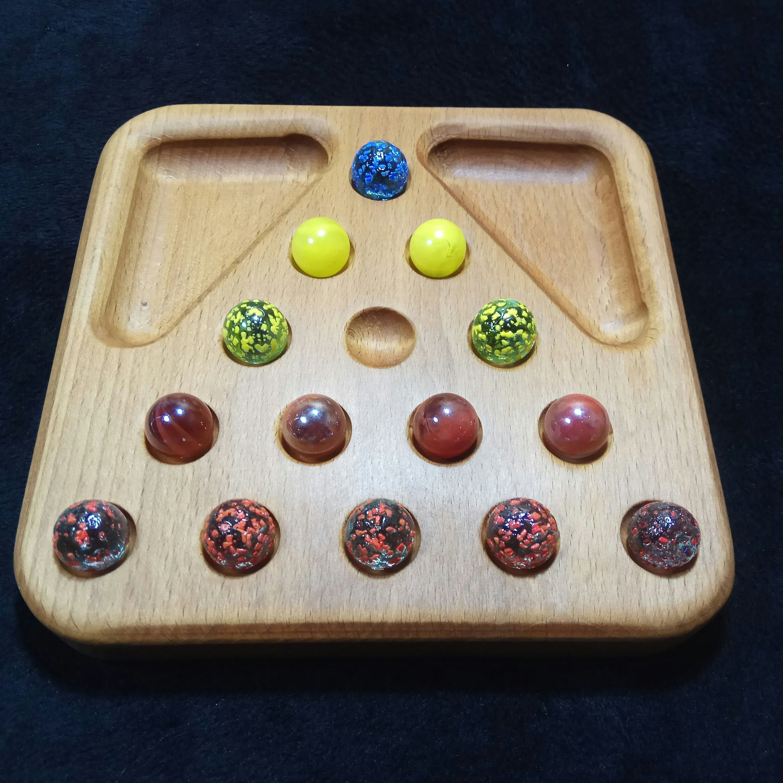Triangular Board LogikSpiel Peg Solitaire in 2020 Logic