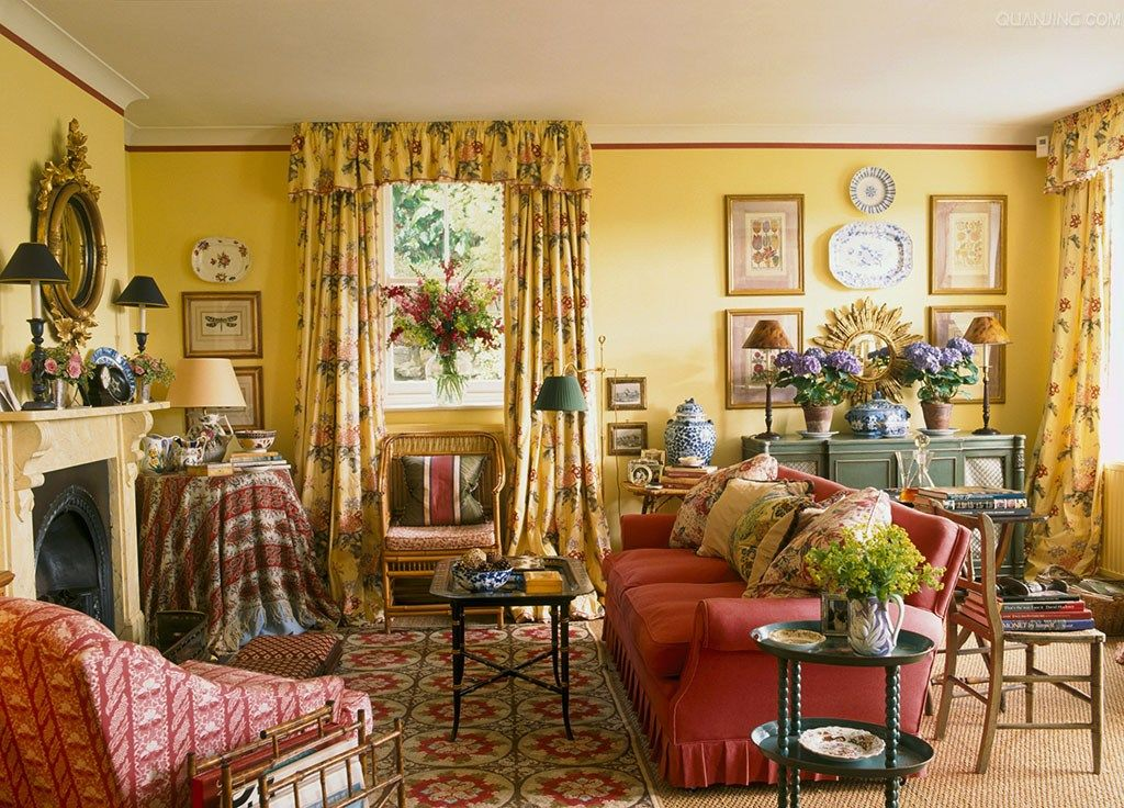 French Country Cottage Living Room: Fetching Welsh Sitting Room With Mix Of Prints