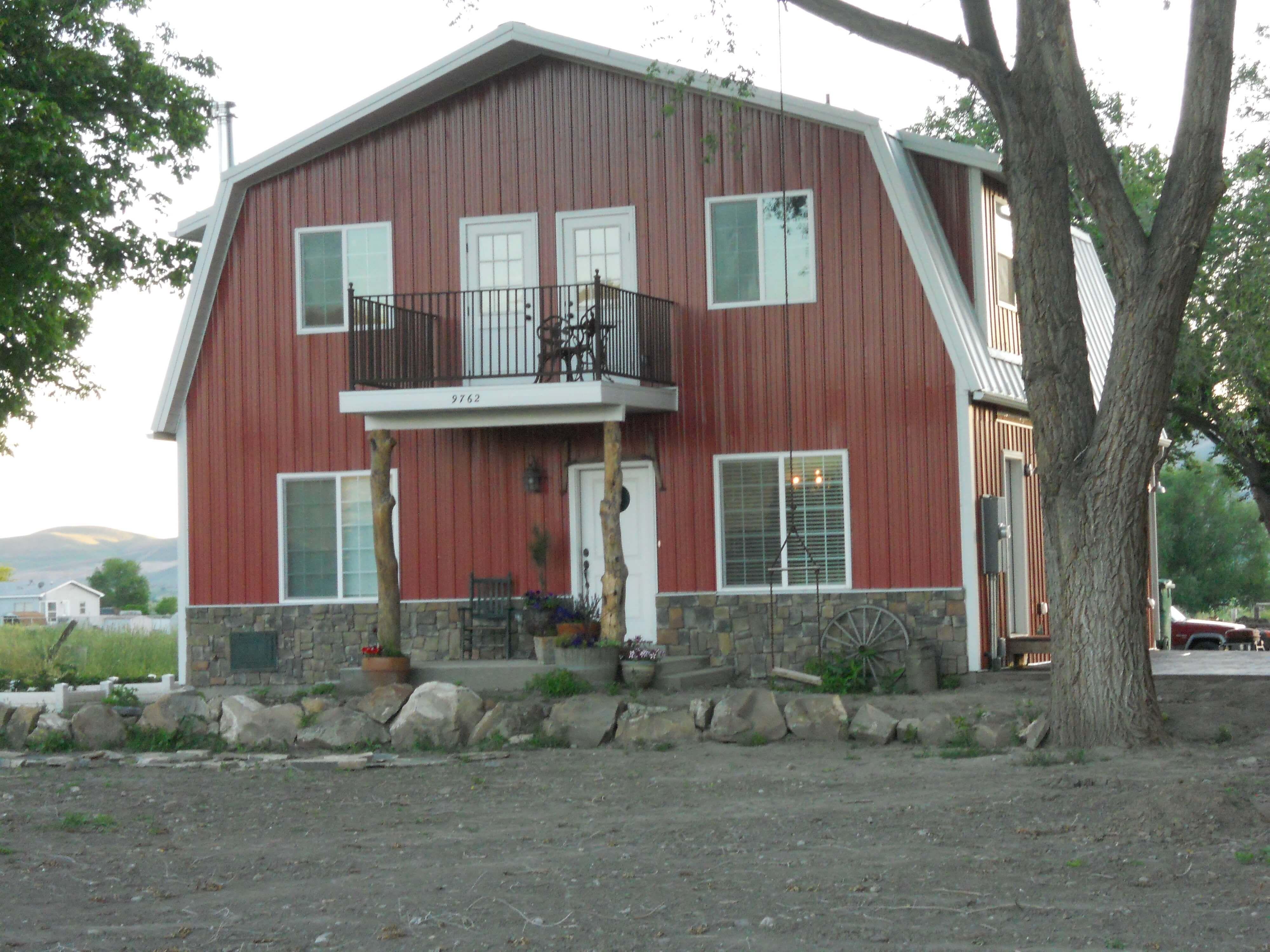 2130 sf 3 bed 2 5 bath 33 x 36 barn style