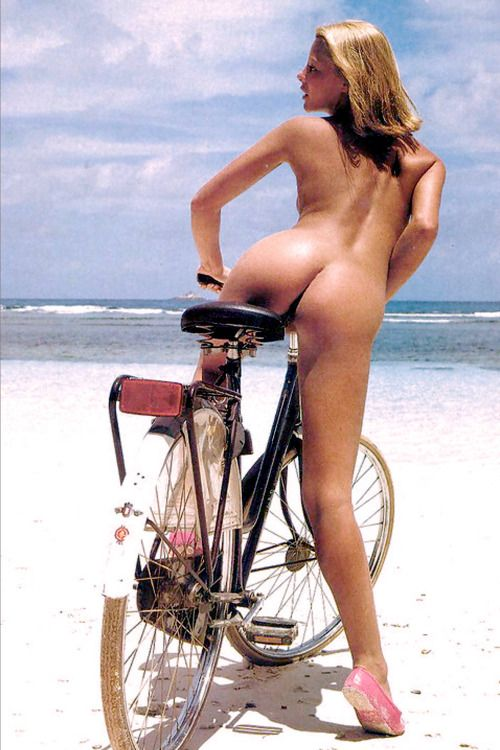 #nude #sexy #bicycle #girl #cycling #bike