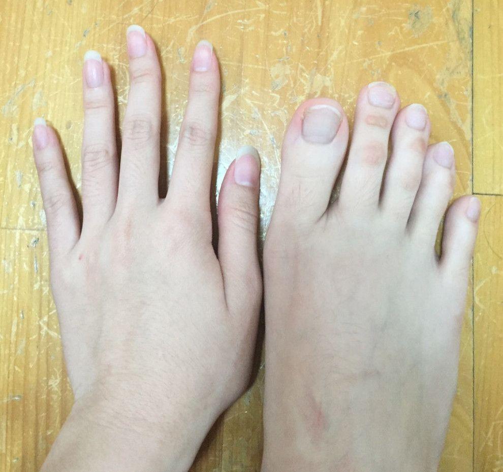 Частное фото женской руки