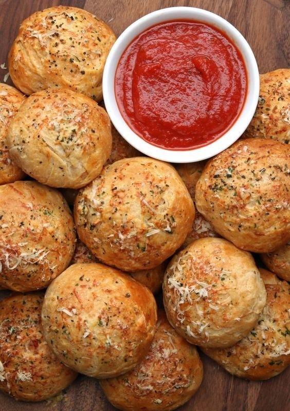 SO gehen richtige Pizza-Brötchen: Pizza-Kugeln mit Käse #hefeteigfürpizza