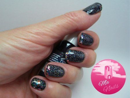 Glitter Tipped Black Holographic Nails via #manails #darkpolish #nailart - bellashoot.com