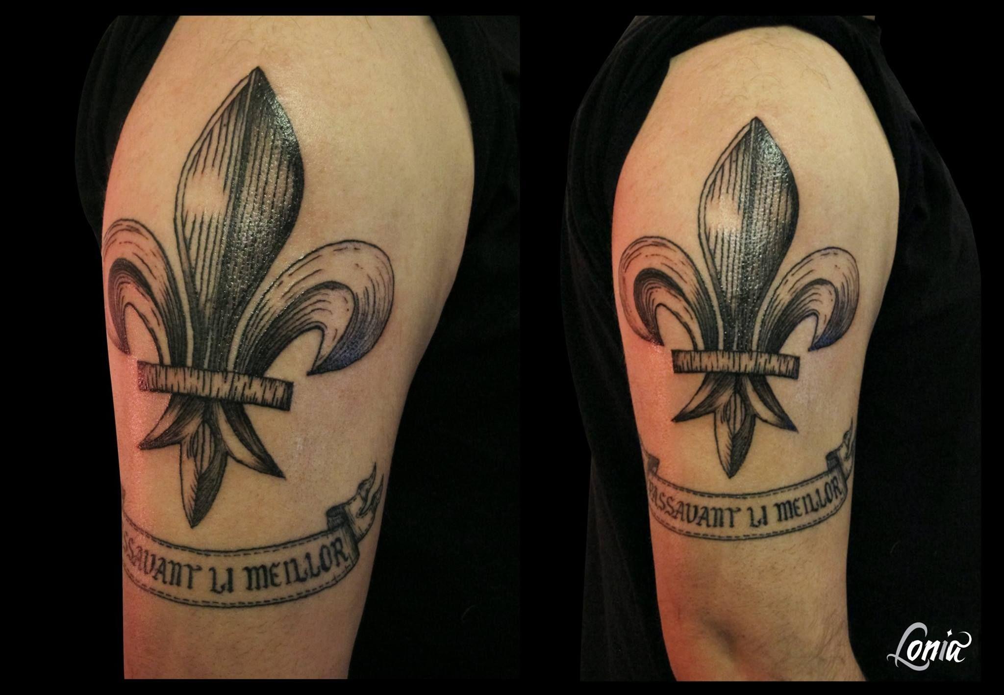 Tatouage Lonia Tattoo Fleur De Lys Gravure Tattoos Tattoos
