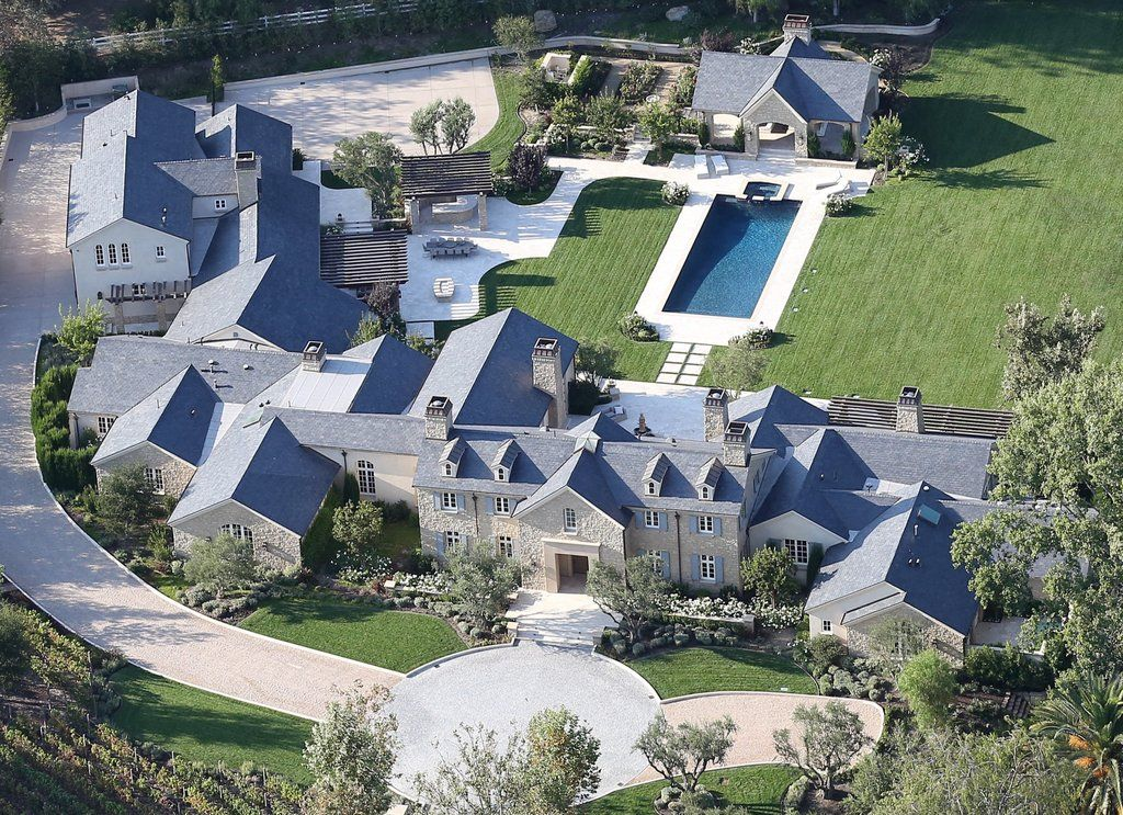 Kim And Kanye S New 20 Million Estate Is Too Luxurious For Words Mansions Luxury Homes Dream Houses Kim And Kanye House