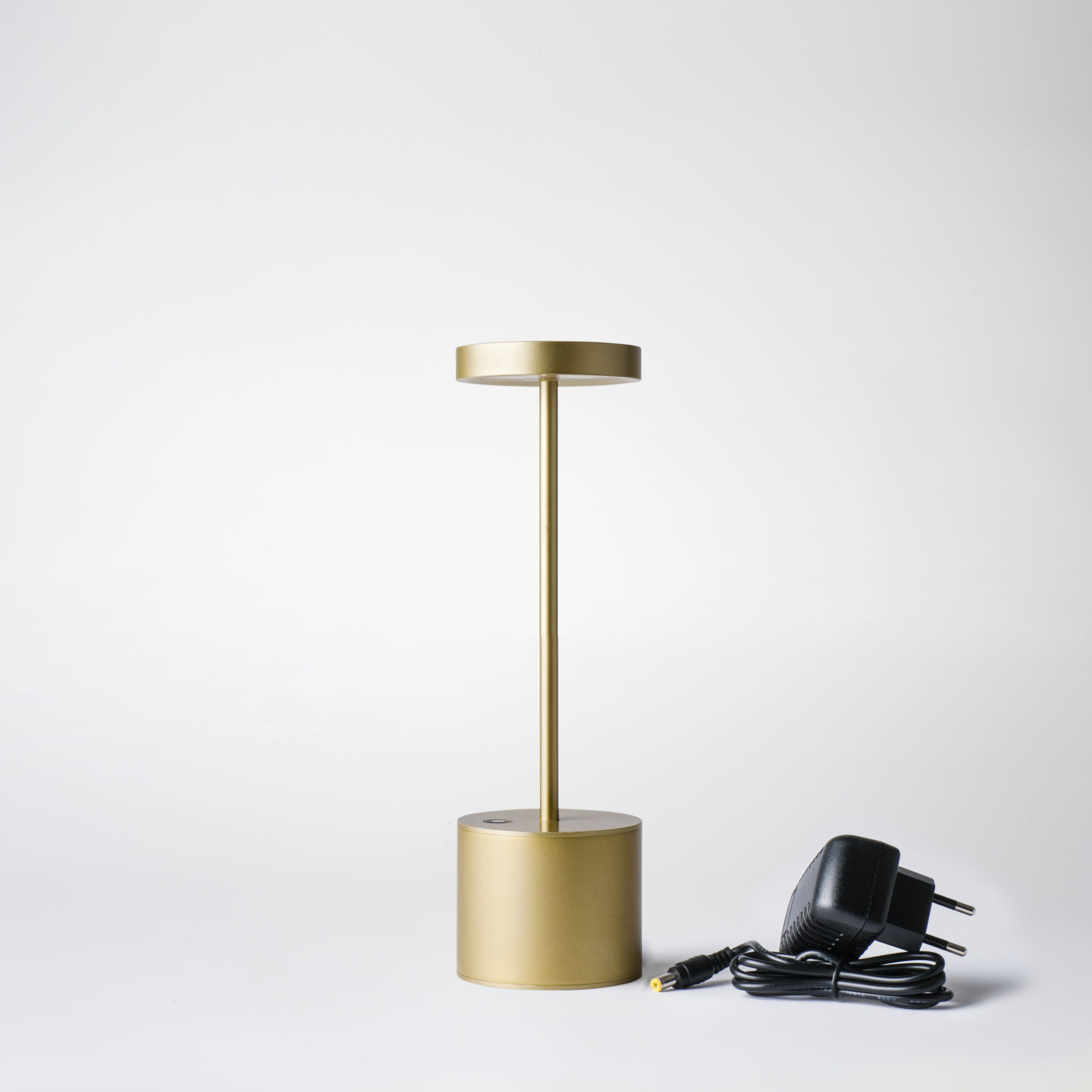 la luxciole est la plus puissante des lampes led autonomes economique gr ce sa source led. Black Bedroom Furniture Sets. Home Design Ideas