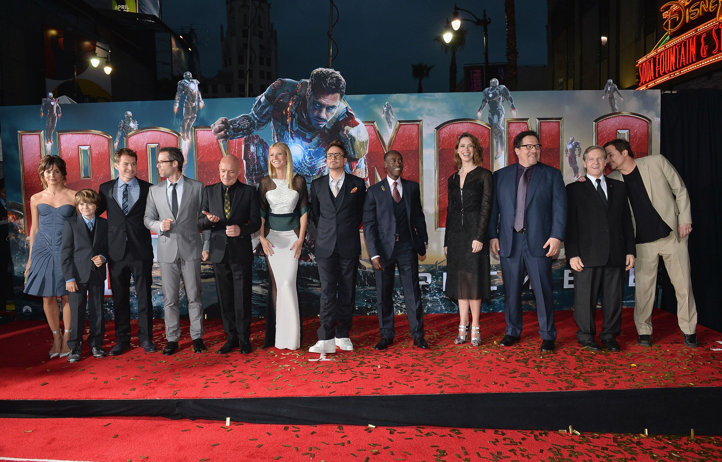 The Cast And Crew Of Marvel S Iron Man 3 On Stage During The World Premiere In Hollywood Http Marvel Com Ironman3live Iron Man Movie Iron Man Premiere