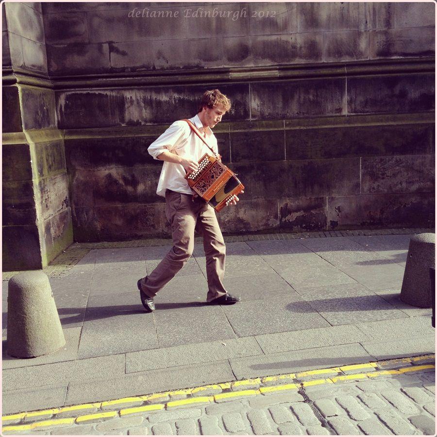 Accordionist Marc Reydams, Edinburgh Fringe Festival 2012 deli-anne.com