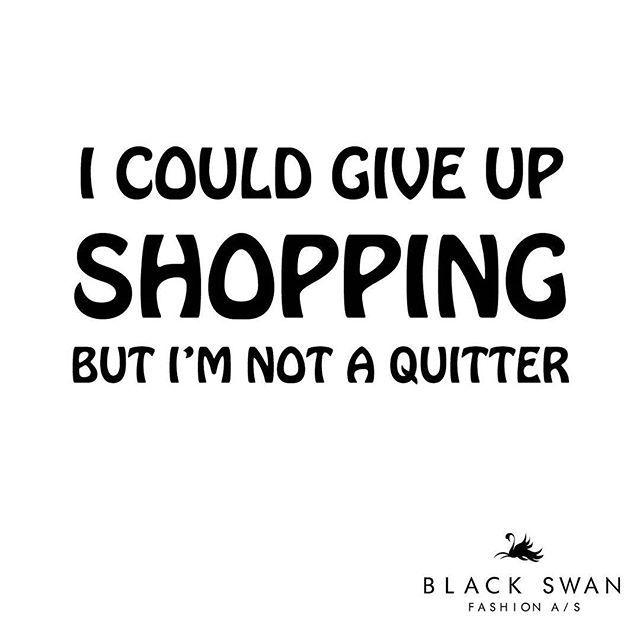 HUSK! Den 25. februar er der eksklusiv forkælelsesaften  med Black Swan Fashion og Ingredien i Kolding. Hør om god stil og nemme genveje i dit klædeskab med stylist og makeupartist Christina Wedel @kissndrive, der arbejder for nogle af Danmarks største magasiner og modebrands. Christina vil guide dig til de bedste looks og tendenser til forårssæsonen, og vi lover, at det bliver sjovt! Læs meget mere på vores hjemmeside! #blackswanfashiondk