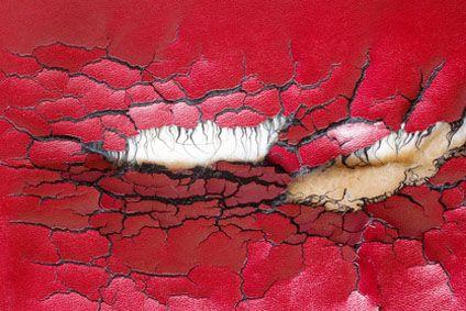 Reparation Canape Simili Cuir.Comment Reparer Un Canape En Cuir Sur Mon Tableau