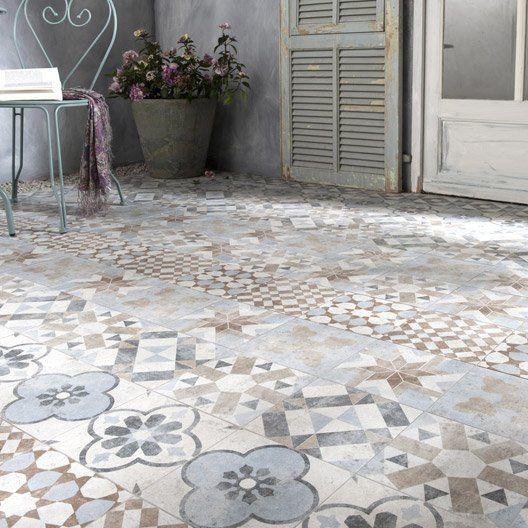 Superbe Carrelage Mix Couleur Effet Terre Cuite Villa Pour Donner Un Style Rétro à  Votre Terrasse.