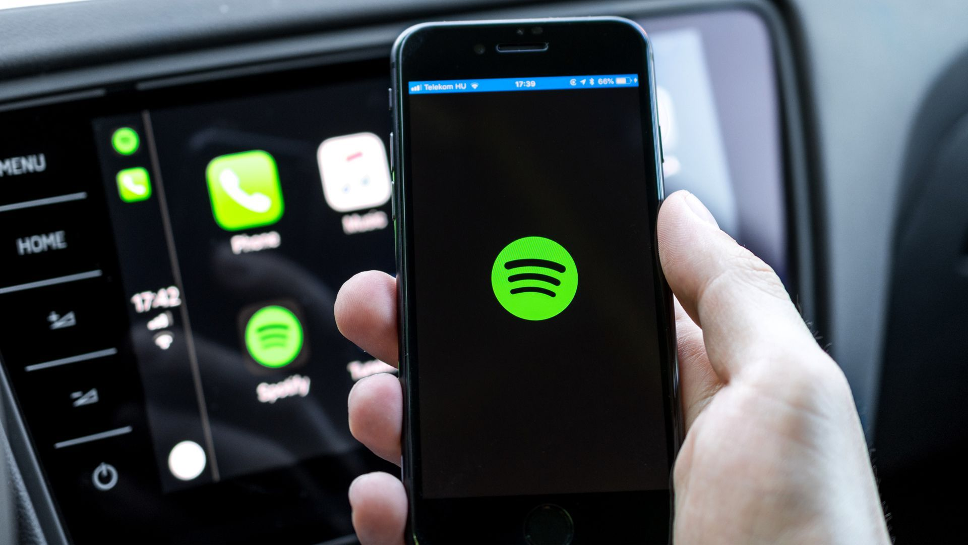 Spotify now lets you add podcasts to playlists Podcasts