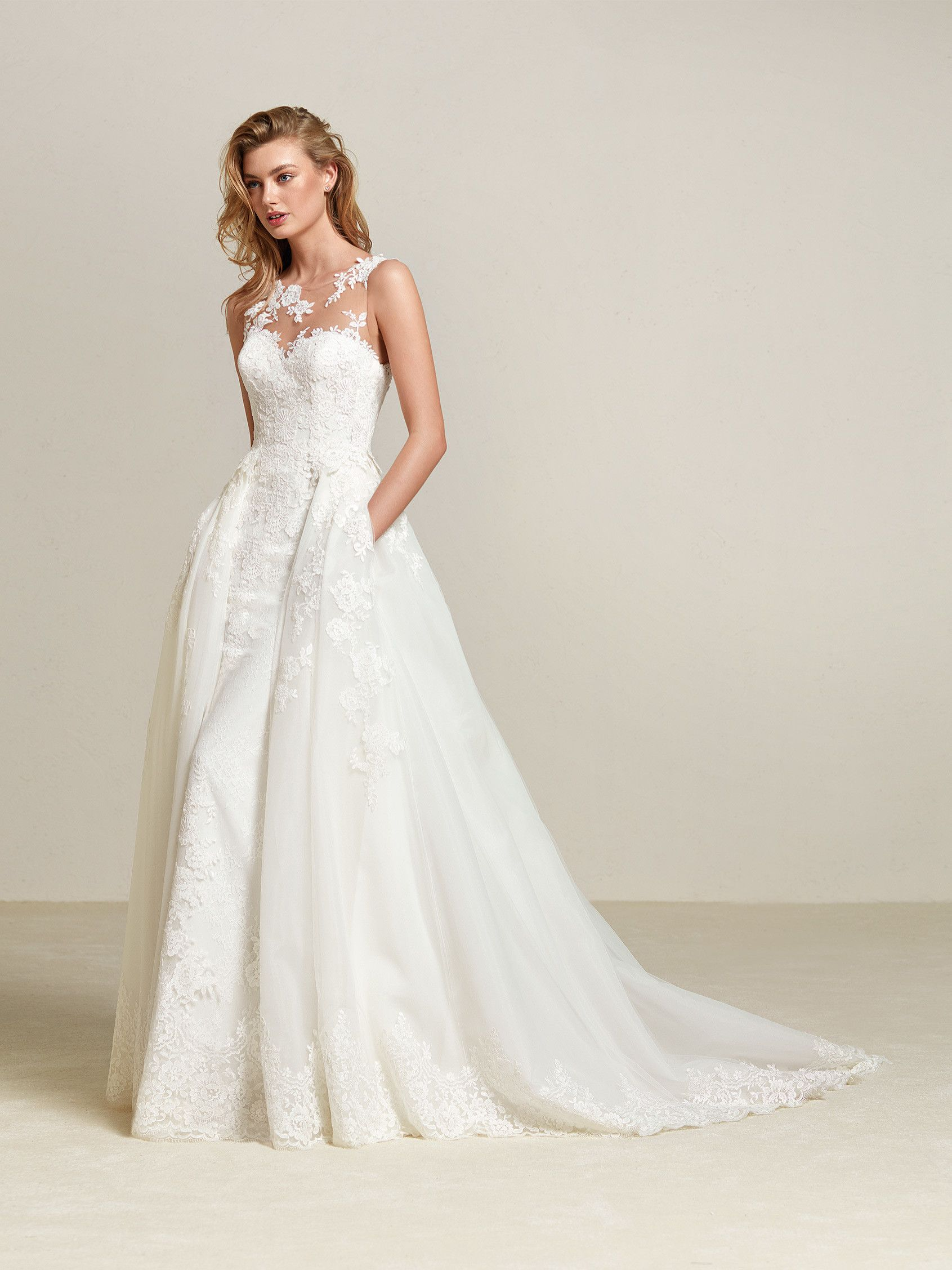 Платье DRUM коллекции #Pronovias13 в наличии! Верхняя юбка и