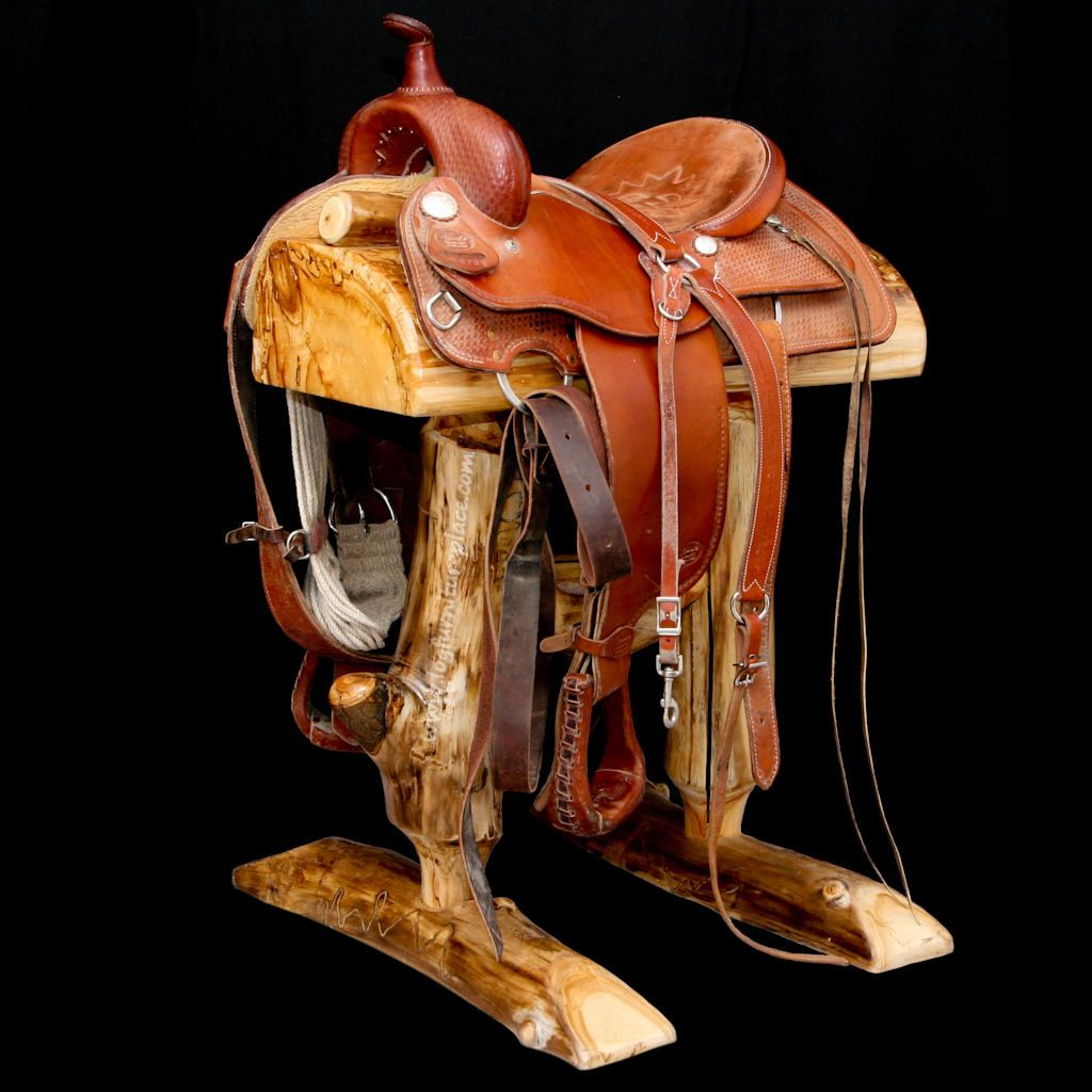 Silla Tripode Caza A Love Of Horses Can Influence Your Western Themed Decor