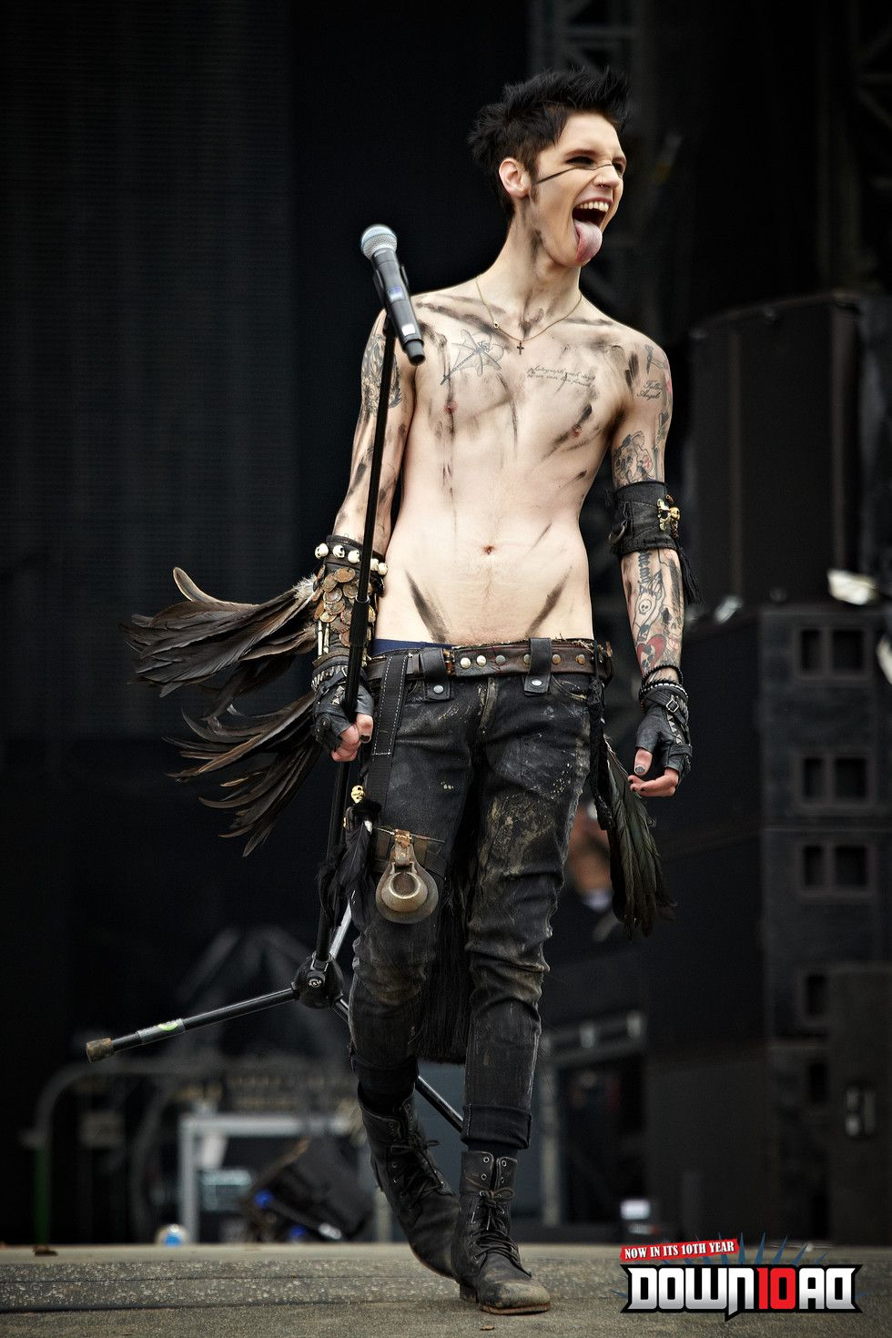 Black Veil Brides Download Festival 2012 The Crowd Didnt Like Him