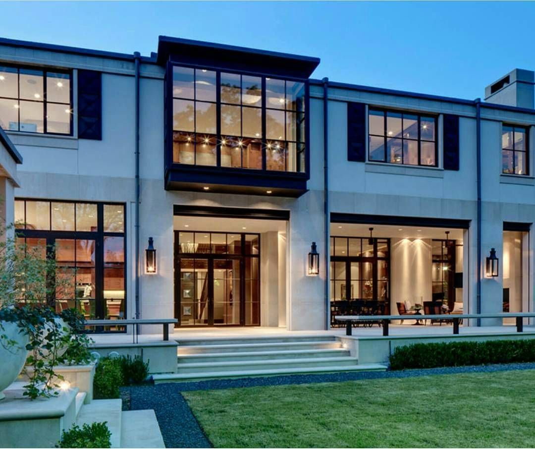 Modern mansion exterior - Very Cool Mix Of Modern And Traditional Domiteaux Baggett Architects Dallas