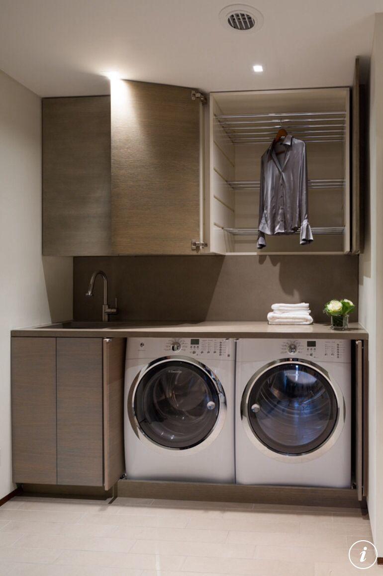 #buanderie #lavage #rangement #organisation #linge http://www.m-habitat.fr/petits-espaces/buanderie/creer-un-coin-buanderie-dans-une-cave-un-sous-sol-2714_A