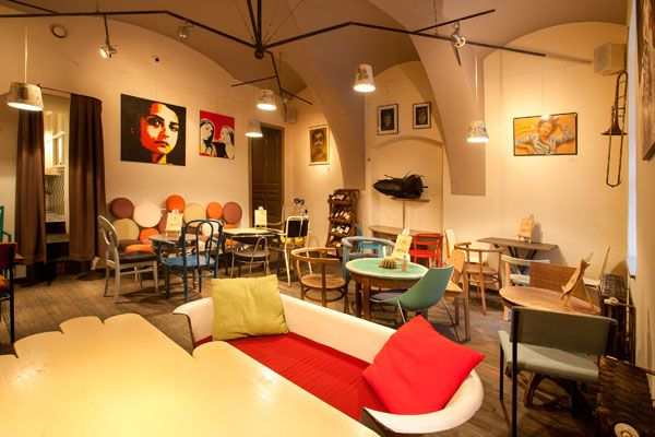 Eclectic Coffee Shop Design In The Heart Of Transylvania Colaj Cafe
