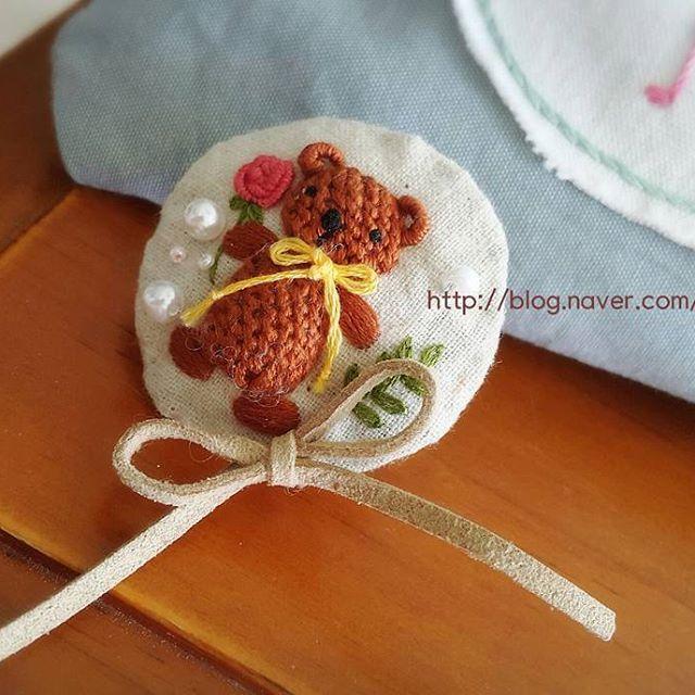 곰돌이 브로치 꽃을 든 곰돌이~~♡♡ #구미프랑스자수 #자수 #자수로놀기 #도용금지