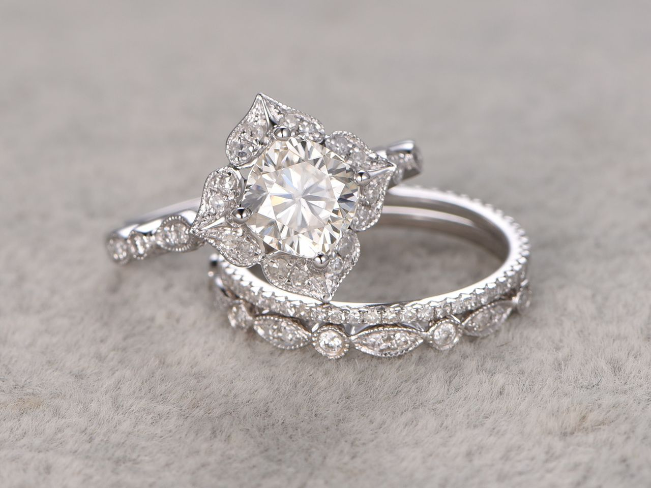 6mm Cushion Moissanite Wedding Set Diamond Bridal Ring 14k White Gold Halo Flora Moissanite Wedding Set Gold Diamond Wedding Band Antique Halo Engagement Rings