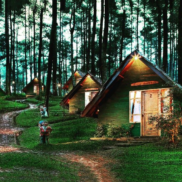 ==Grafika Cikole== Camping de lujo, Casas de ensueño
