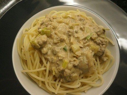 Spaghetti mit Käse  Hackfleisch  Sauce