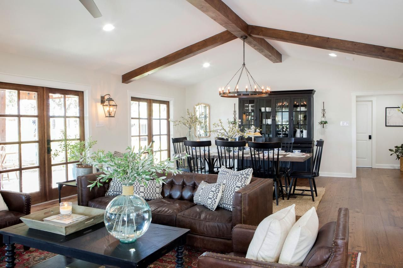 Learn More About Joanna Gaines Host Of Hgtv S Fixer Upper