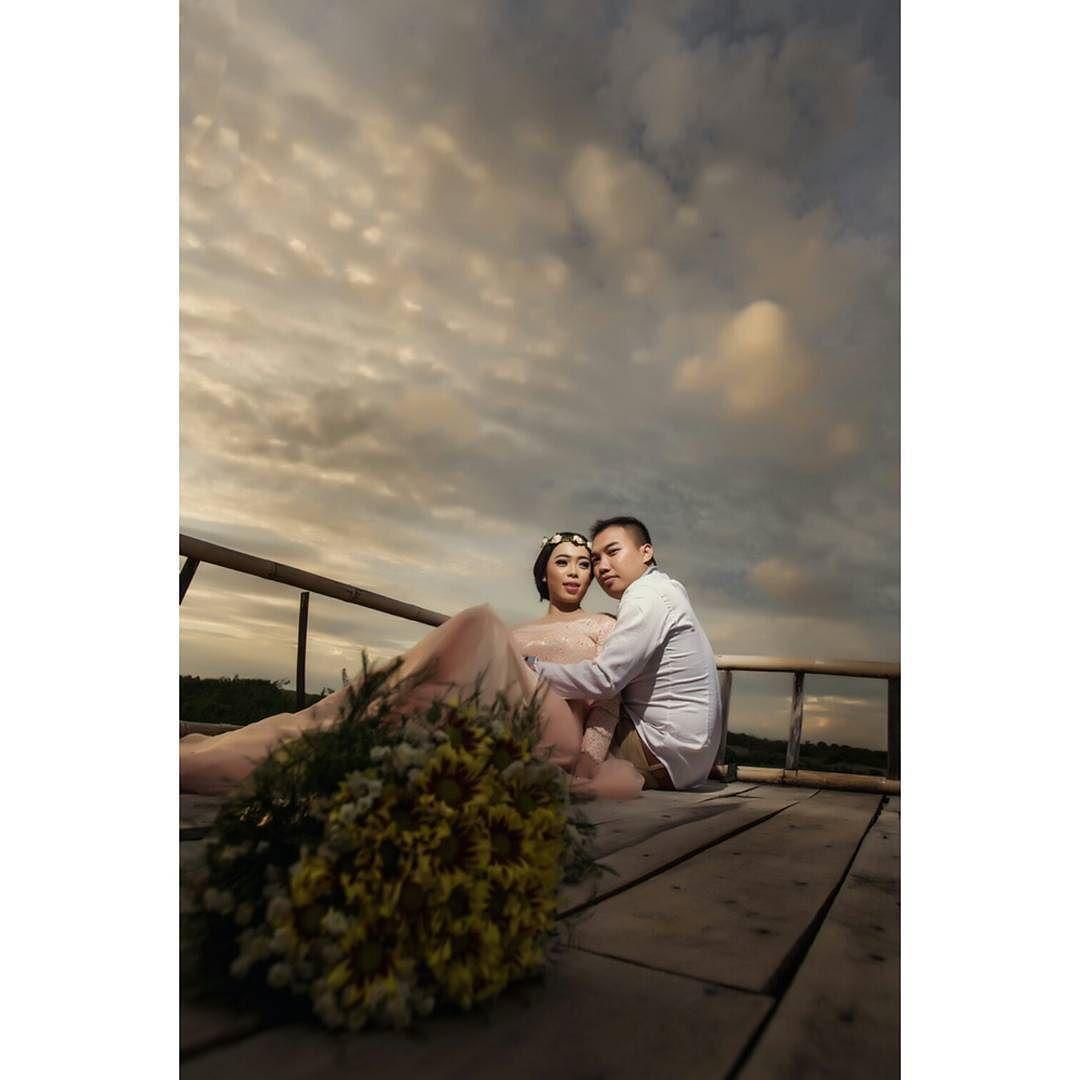 Beautiful Sunset Prewedding dr early & gantang Mrs Dewi  #engagementphotos #engagementshoot #engaged #engagement #preweddingphoto #weddingday #wedding #preweddingday #preweddingdream #preweddingdress #preweddingku #preweddingmalang #preweddingbanyuwangi #preweddingblitar #weddingvendormalang #weddingideas #weddinginspiration #weddingphotographer #bride #groom #couple #sunset #Alamango #Bridal #Textiles #Wedding #AlamangoBridal #AlamangoTextiles #Malta #LoveMalta #Bridesmaid #WeddingDress