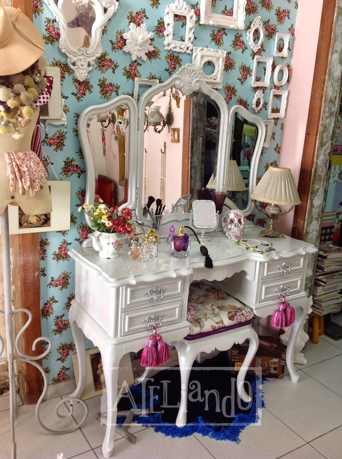 Ateliando customizao de mveis antigos penteadeira prola dressing tables ateliando customizao de mveis antigos penteadeira prola flvia geotapseo Gallery