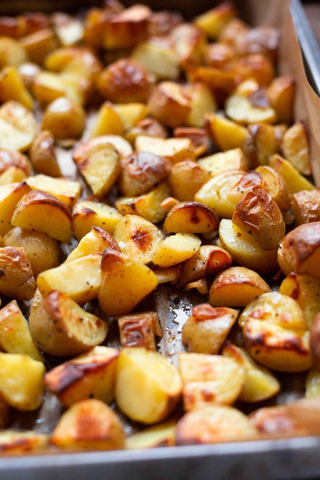 Knoblauch-Ofenkartoffeln mit Tzatziki #vegetarischerezepteschnell