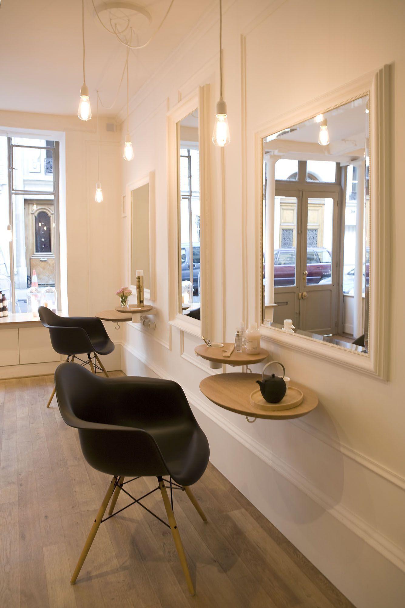 Petit Salon Coiffure 40 Fran Oise Hair Salon Interior Salon Interior Design Hair Salon Decor