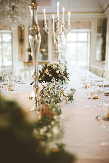Italian wedding | Silver chandelier | Candle on the table | Photo from GINEVRA & GIAMPAOLO collection by Serena Cevenini Photography