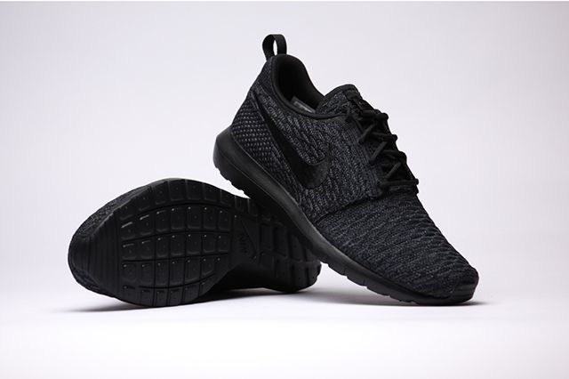 info for 2a651 8e63c NIKE FLYKNIT ROSHE RUN (TRIPLE BLACK)   Sneaker Freaker