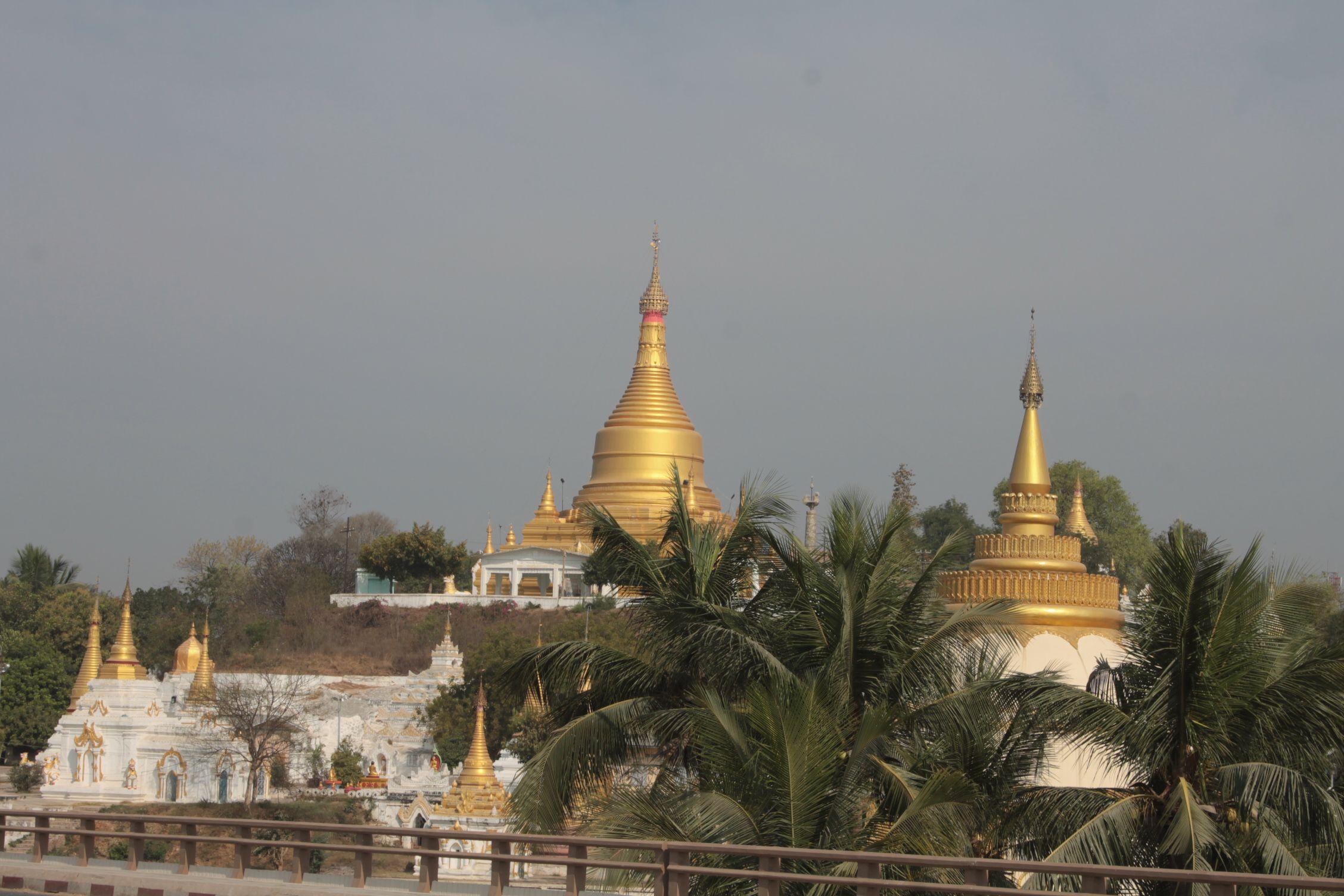 Vistas de Sagaing desde la carretera