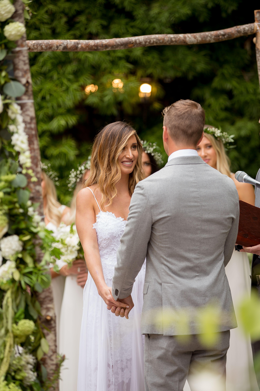 Boho garden wedding alec u ryanus gorgeous green wedding agape