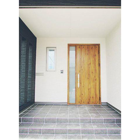 クリックすると新しいウィンドウで開きます 玄関ポーチ タイル 玄関