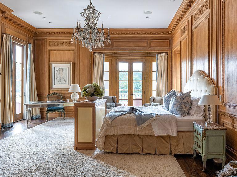 1040 W Conway Dr Nw Atlanta Ga 30327 Mls 6632831 Zillow Formal Living Rooms Tuscan House Bedroom Panel Bedroom suites in atlanta ga