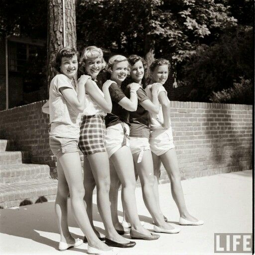 Short shorts in the 1950s