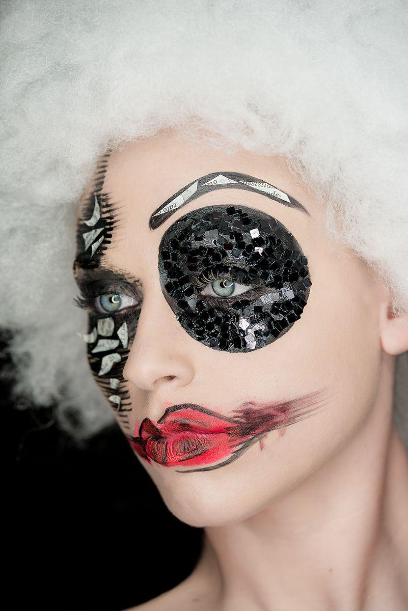 Photographer: Spiro Sanarica Makeup: Viviana Veglia Model: Alessandra De Leonardis
