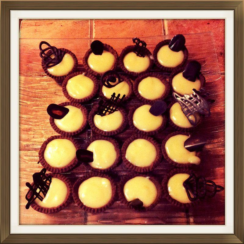 Mini tartaletas chocolate blanco y limon.