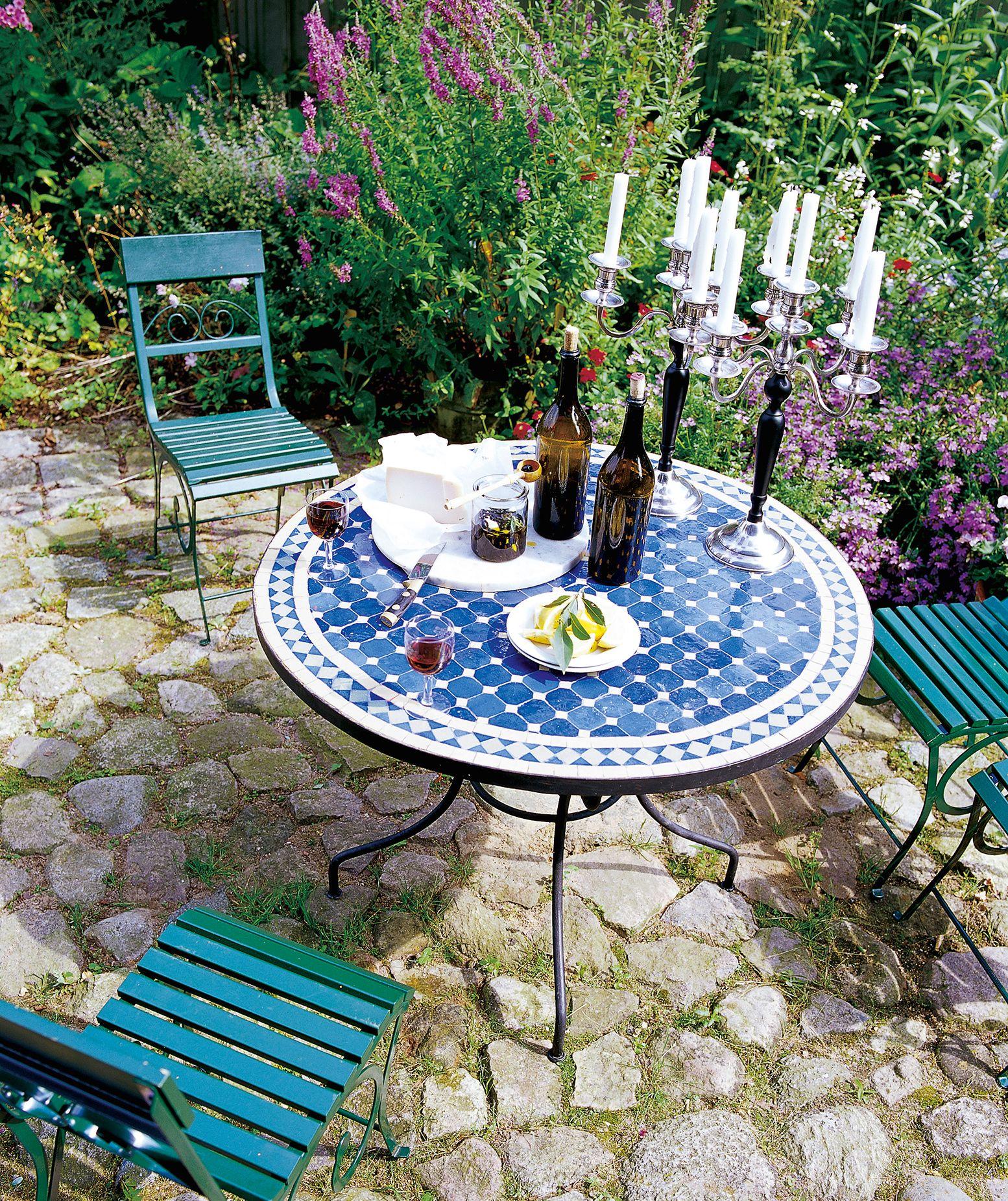 Gedeckter Tisch Im Garten: Pin Von Octopus Auf Gartenmöbel