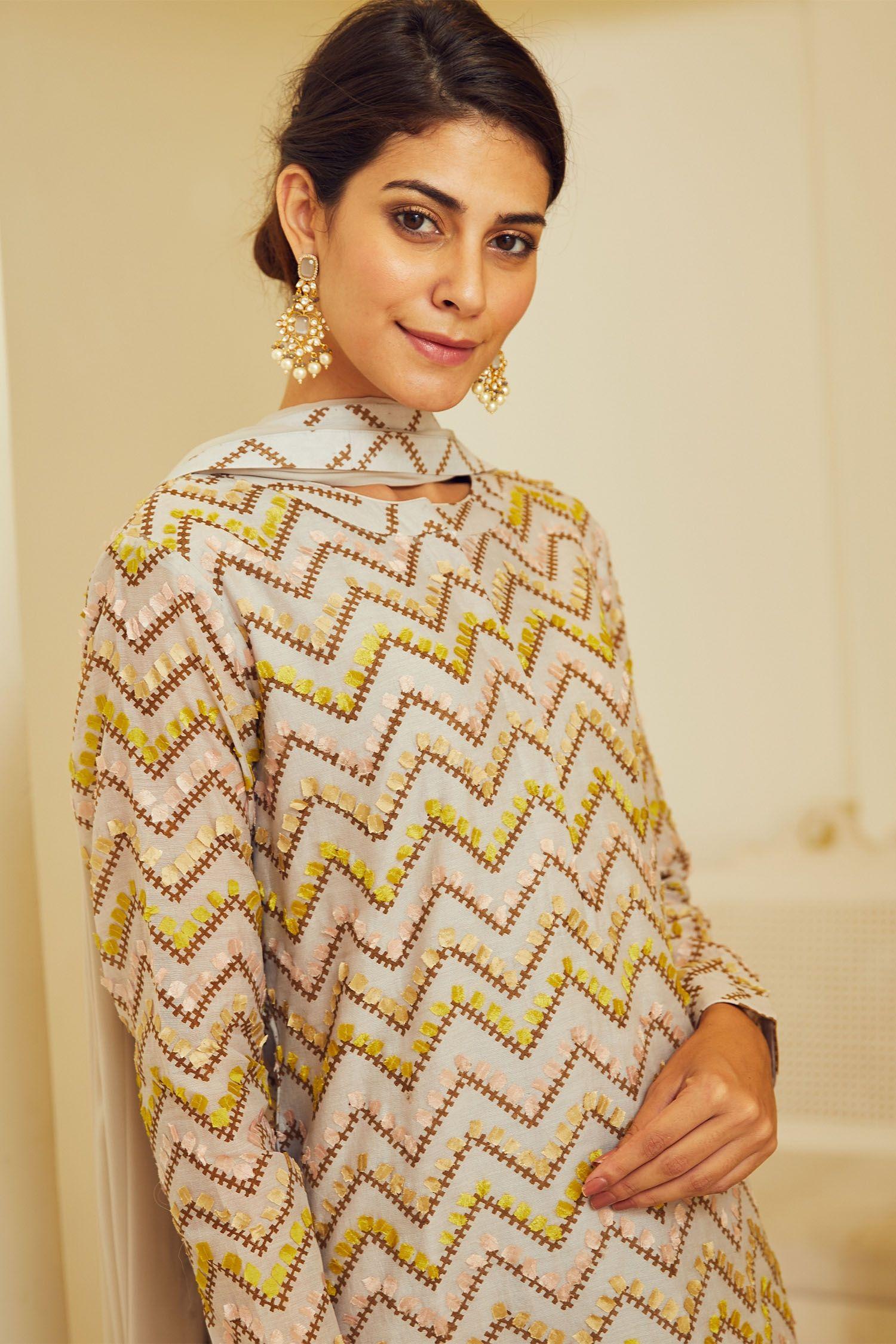 Shyam Narayan Prasad Fashion Fashion Design Pin Tucks