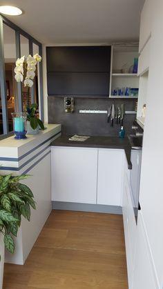 Idées d\'aménagement pour une petite cuisine fonctionnelle et design ...