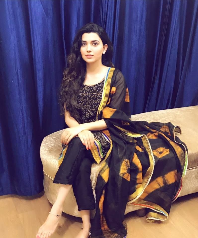 Nimrat Khaira Beautiful Hd Wallpapers And Images Beauty Actresses