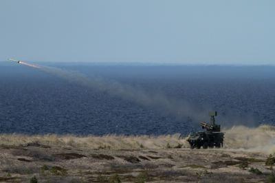 Puolustusvoimat - Ilmatorjuntaharjoitus 1/2011. ITO90M-laukaisu Kuva Puolustusvoimat , J Markkula 22.5.2011. Lohtaja
