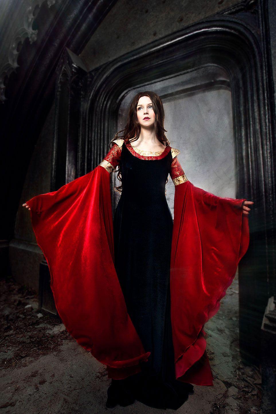 Arwen Blue Red Dress