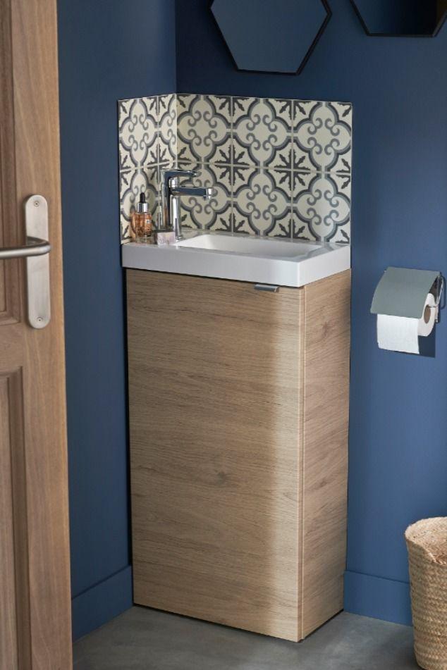Donnez Du Cachet A Un Coin Lave Mains En Ajoutant Une Credence Effet Carreaux De Ciment Castorama Insp En 2020 Meuble Lave Main Meuble Toilette Lave Main Toilette